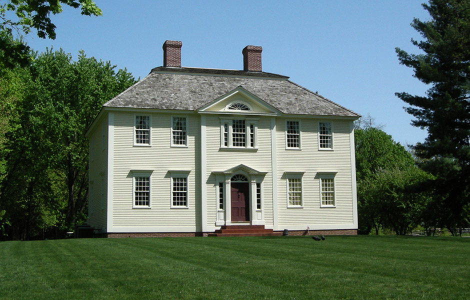 Colonial Reproduction Homes